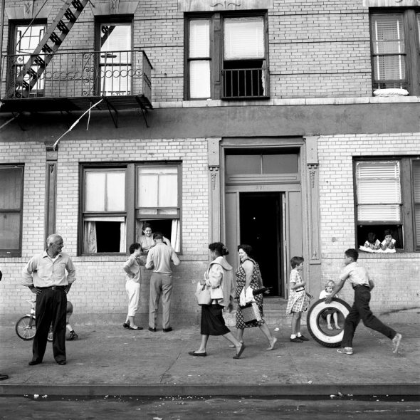 Vivian Maier-Sept 28, 1959, 108th St. East, New York, NY